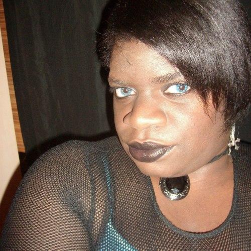 Brune Aux Yeux Bleus je suis belle, brune aux yeux bleus et sur le forum blabla 15-18 ans