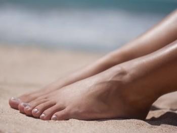 orgie a la plage filles sexy en mini jupe