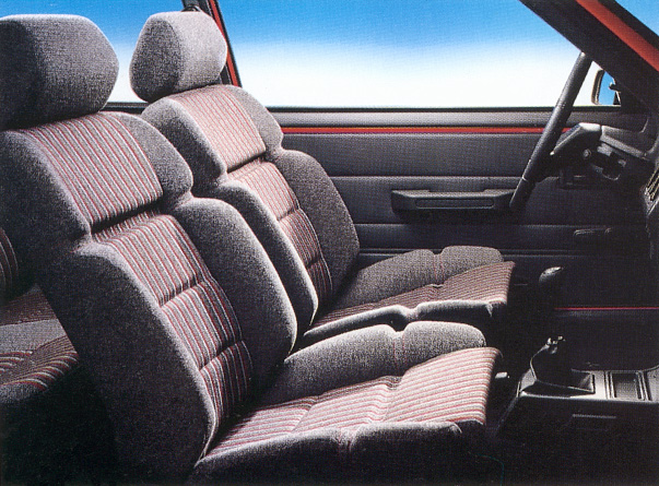Pr sentation ma peugeot 205 gti sur le forum automobiles for Interieur 205
