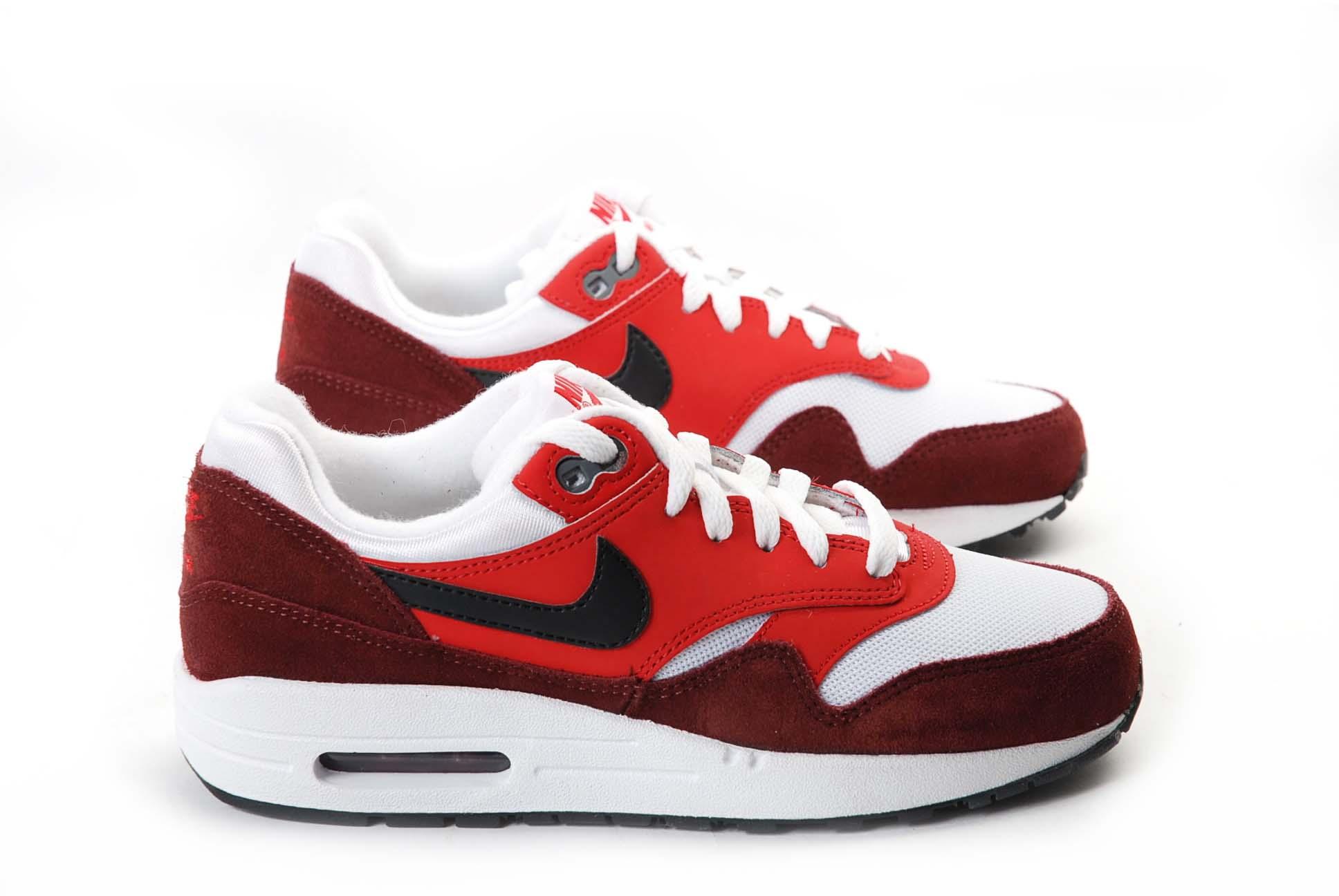 Nike Rouge Blanc