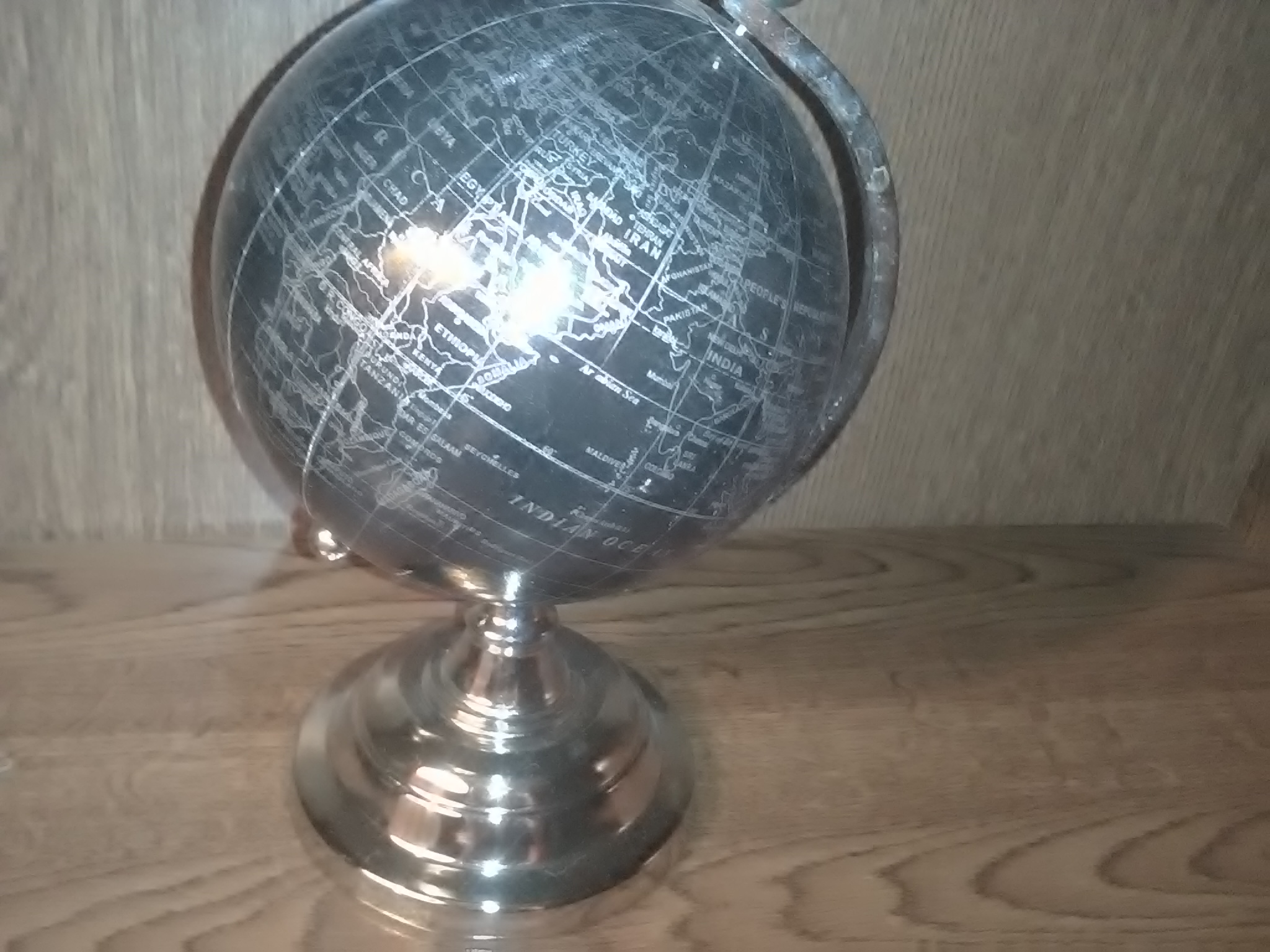 j 39 ai achet ce globe terrestre 450 euros sur le forum blabla 18 25 ans 31 01 2016 02 12 37. Black Bedroom Furniture Sets. Home Design Ideas