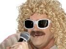 Sticker risitas chanteur blond cheveux frises micro