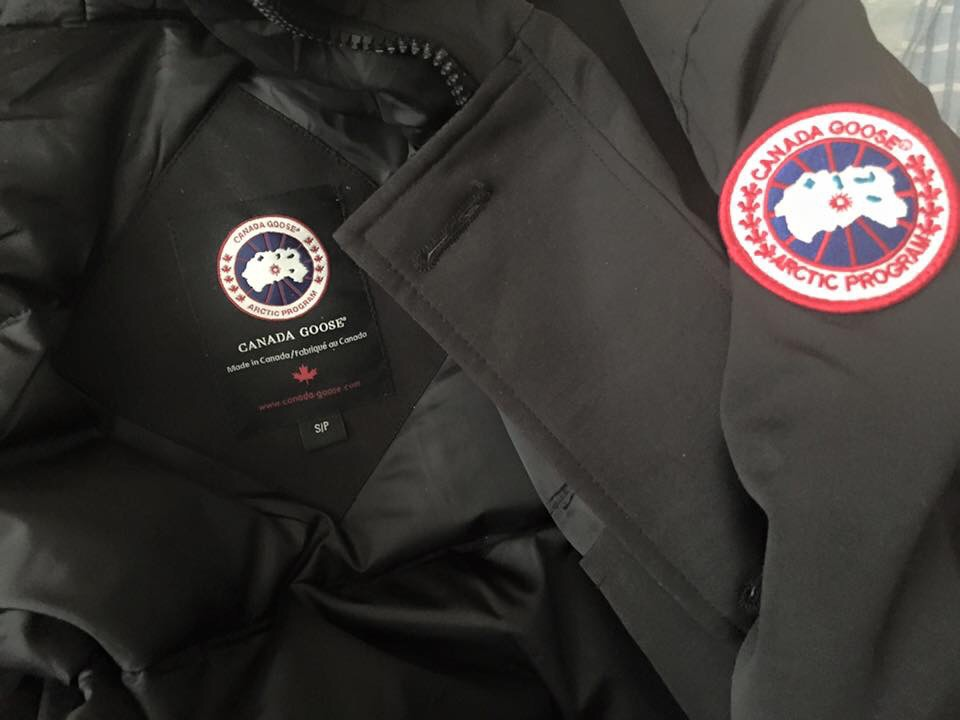 fausse canada goose rouge
