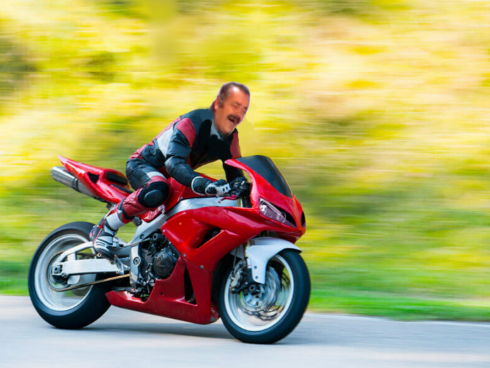 Sticker risitas moto rouge cheri issou