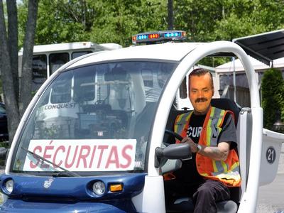 Sticker risitas caddie securitas security veilleur camping