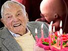 Sticker david rockfeller 101 ans annees zero cancer foetus soupe anniversaire diagnostique derire mort vieux chance