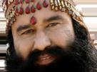 Sticker regard paix harmonie zehef baston castagne debut indien inde guruji gurmeet ram rahim