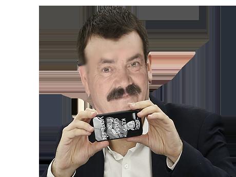 Sticker risitas film filme photo camera appareil telephone iphone mobile sadique rire narquois moque