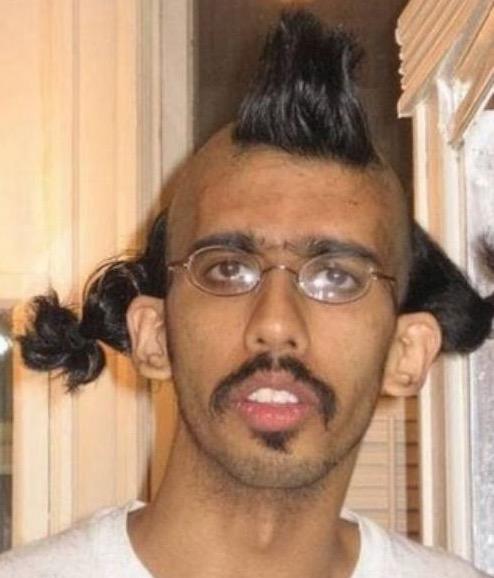 Sticker other indien moche laid celestin victime beta cheveux coupe puceau bizarre pulco geek vilain moustache