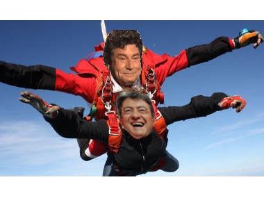 Sticker politic jean luc melenchon perdre parachute avion lache couard coward profiteur saut vide ciel parachutiste avion voile quitntero maitre disciple