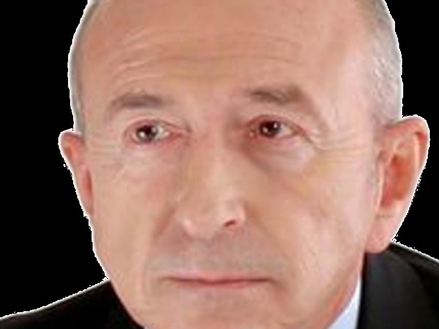 Sticker gerard collomb ministre de linterieur les republicains droite homme politique zoom triste larme aux yeux