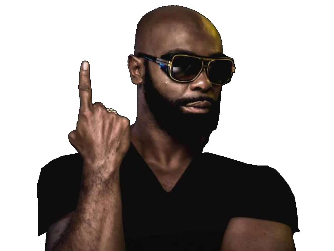 Sticker risitas other kaaris rappeur puteuh black noir tshirt doigt bras lunettes soleil sunglasses barbe beubar bebar tinnova