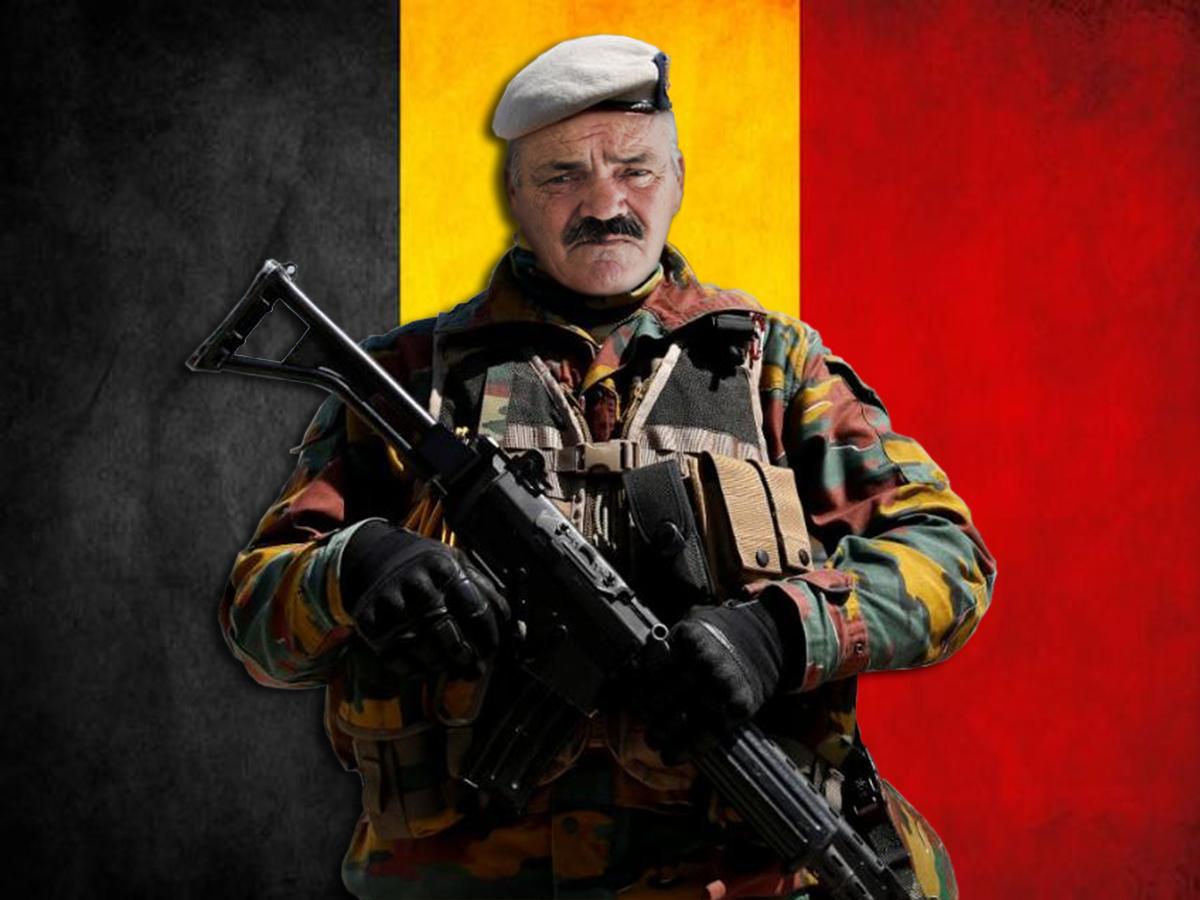 Sticker risitas armee belge solide soldat defense militaire belgique