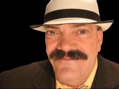 Sticker bigface risitas zoom tete rire chapeau