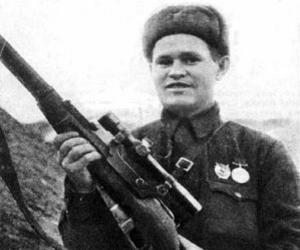 Sticker risitas vassili zaitsev urss communisme communiste staline ww2 guerre soldat armee militaire snipper