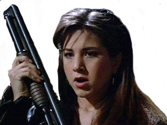 Sticker other jennifer aniston jeune belle femme fusil arme pompe