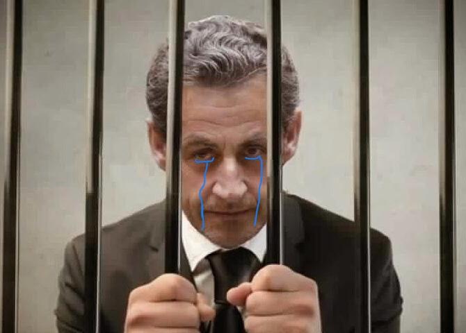 Sticker politic sarkozy prison pleur larmes prison sarkozy prison nicolas scarface sarko gangster libye prison thug thuglife bandit racaille crime parrain mafia