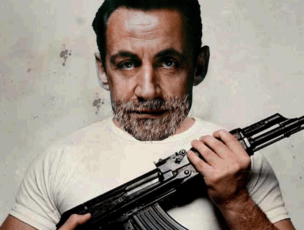 Sticker sarkozy kalash criminel kalashnikov sarkozy nicolas scarface sarko gangster libye prison thug thuglife bandit racaille crime parrain mafia arme barbe go muscu