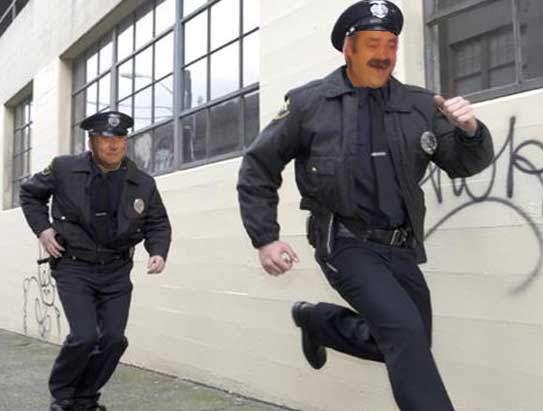 https://image.noelshack.com/fichiers/2017/02/1484079588-running-from-cops.jpg