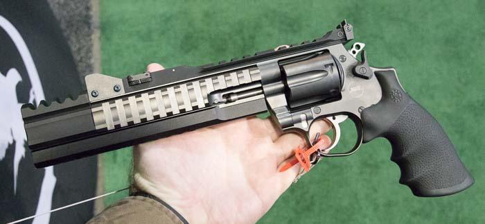 [Fiche] Sarah Araz 1492266978-korth-revolver
