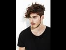 https://www.noelshack.com/2016-45-1478513989-look-fatal-moderne-coupe-tendance-homme-cheveux.jpg
