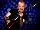 https://image.noelshack.com/fichiers/2017/14/1491605780-guitarerisitas.png