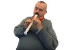 http://image.noelshack.com/fichiers/2017/15/1491908459-risitas-flute.gif