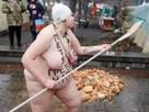 https://image.noelshack.com/minis/2017/49/6/1512836504-femen.png