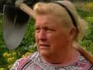 https://image.noelshack.com/fichiers/2018/23/1/1528105398-mama-trump.png