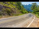 https://www.noelshack.com/2018-32-2-1533662182-43231641-winding-route-dans-la-campagne-de-la-thailande.jpg