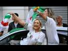 https://image.noelshack.com/fichiers/2018/51/5/1545403022-algerie-coree-du-sud-des-detournements-montrent-marine-le-pen-et-kim-jong-un-feliciter-les-algeriens-4936903.png