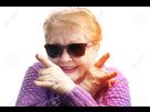 http://www.noelshack.com/2019-14-7-1554591735-74790750-vieille-femme-drole-grand-mere-s-amuser-porter-des-lunettes-de-soleil-sur-fond-blanc-danse-rock.jpg