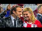 http://www.noelshack.com/2019-18-6-1556993774-photos-emmanuel-macron-et-la-presidente-croate-leur-etonnante-complicite-apres-la-victoire-des-bleus.jpg