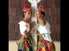 http://image.noelshack.com/fichiers/2019/20/3/1557941040-i-grande-188-les-jeunes-filles-en-costume-traditionnel-net.jpg