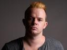 http://www.noelshack.com/2019-22-3-1559166846-studio-shot-man-mohawk-hairstyle-450w-777521503-2.jpg