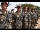 https://www.noelshack.com/2019-28-1-1562539390-7768128540-des-soldats-francais-a-bangui-le-19-decembre-illustration.jpg
