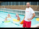 http://www.noelshack.com/2019-28-5-1562947968-piscine-secouriste.jpg