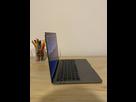 https://image.noelshack.com/minis/2020/40/4/1601578664-macbook-cote.png